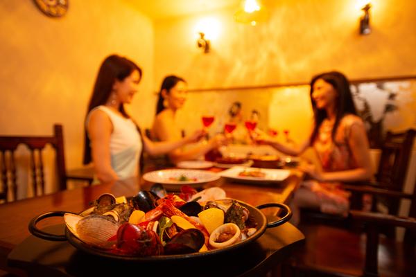 女子会に美味しいスペイン料理